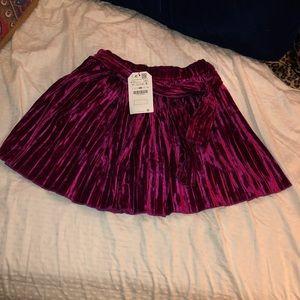 Zara girl cranberry velvet skirt size 9-10 years